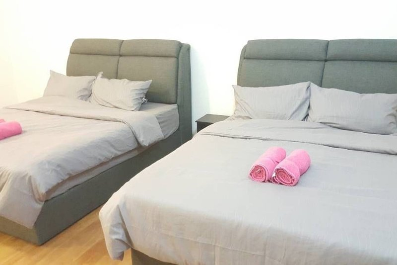 Good night's sleep with 2 luxury queen beds for 4 guests