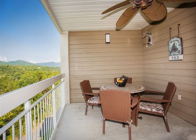 Whispering Pines Vacation Rental 553 Pigeon Forge