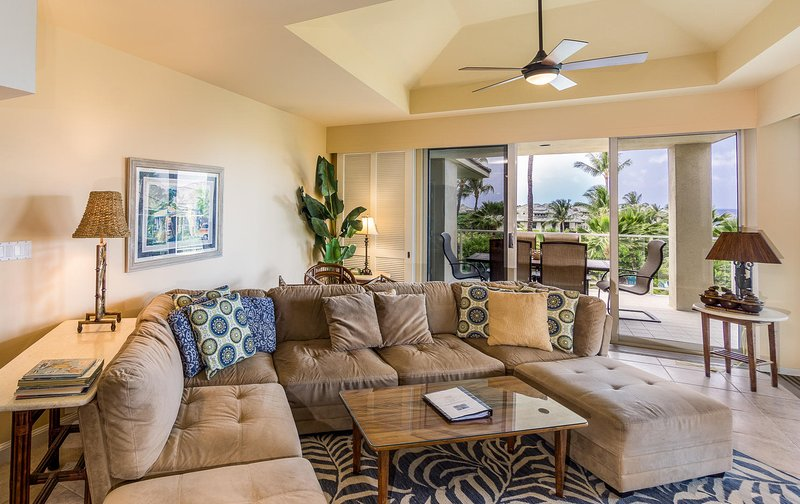 Vista Waikoloa C305 - Living room seating