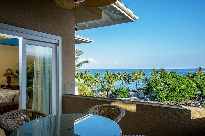 2-302 The Beach Villas at Kahaluu - Lanai avec vue sur l'océan