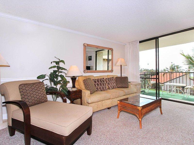 KAUHALE MAKAI, #629 - Living room seating