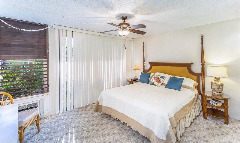 Kona Makai # 4102 - Slaapkamer met kingsize bed