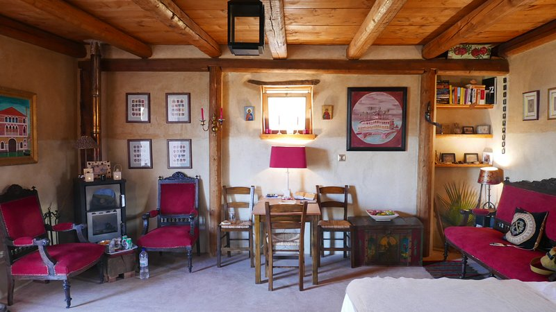 Boutique Mountain Lodge Vlatos, holiday rental in Vathi