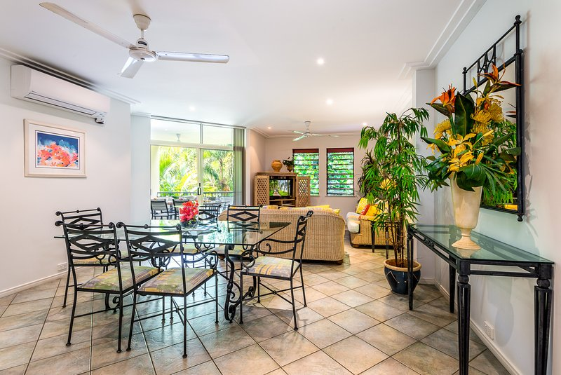 Palm Cove Holiday Apartment Oasis 8, vacation rental in Palm Cove
