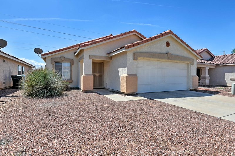 This 6-person home is the ideal home base for your Glendale holiday!