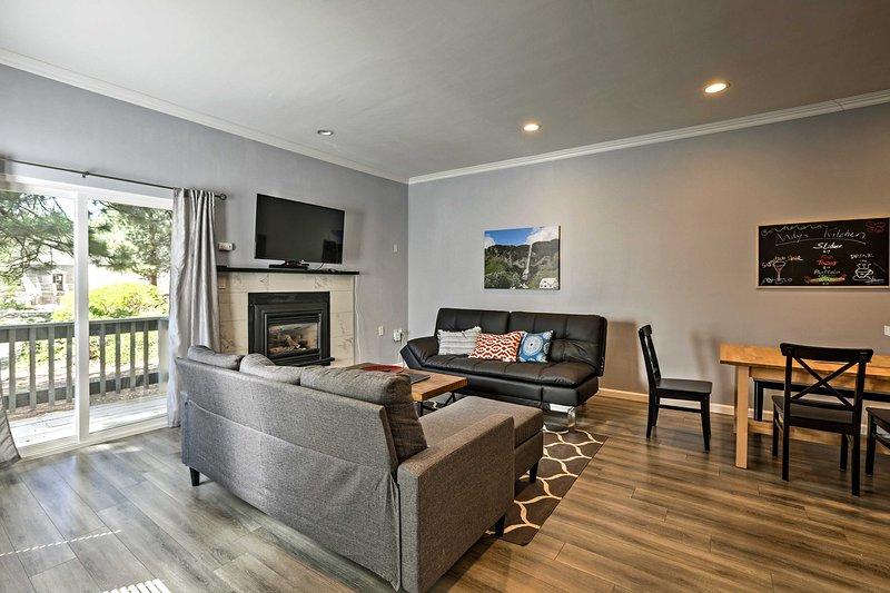 Book your alpine escape to this 2-bedroom, 2-bath Tahoe vacation rental condo.