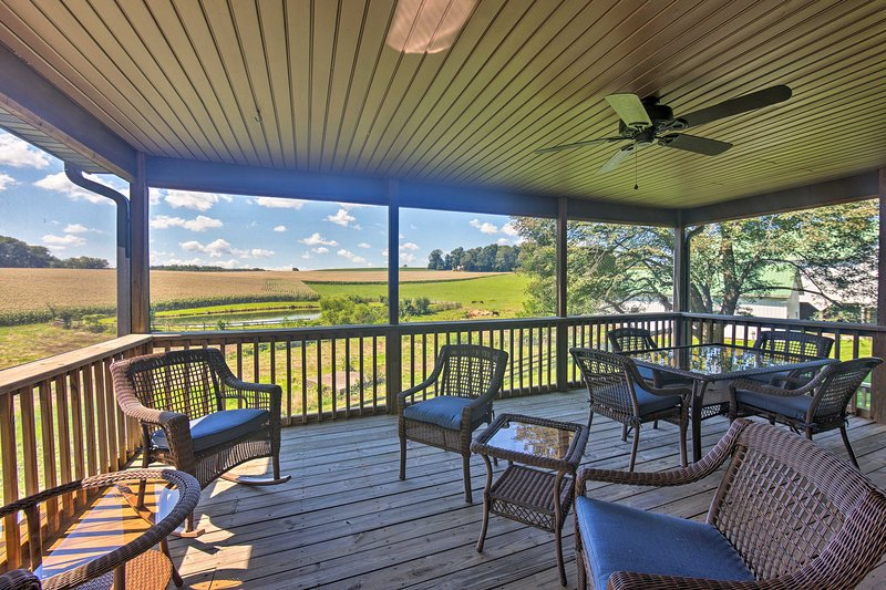 Calm Stewartstown Cottage on 90 Acres w/ Barn, vacation rental in Hampstead