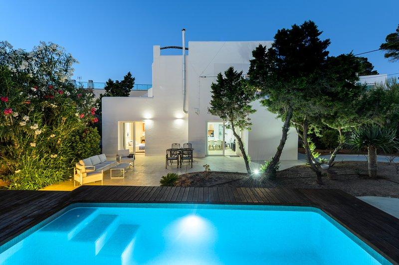 Es Repos, Villa 5StarsHome Ibiza, holiday rental in Sant Antoni de Portmany