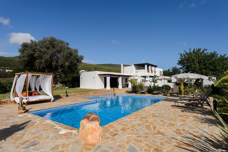 Andreuet, Villa 5StarsHome Ibiza, holiday rental in Cala Llenya