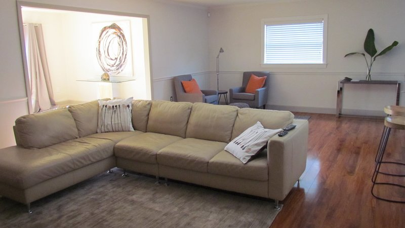 South Tampa Modern 4BR Oasis with pool and gameroom, location de vacances à Tampa