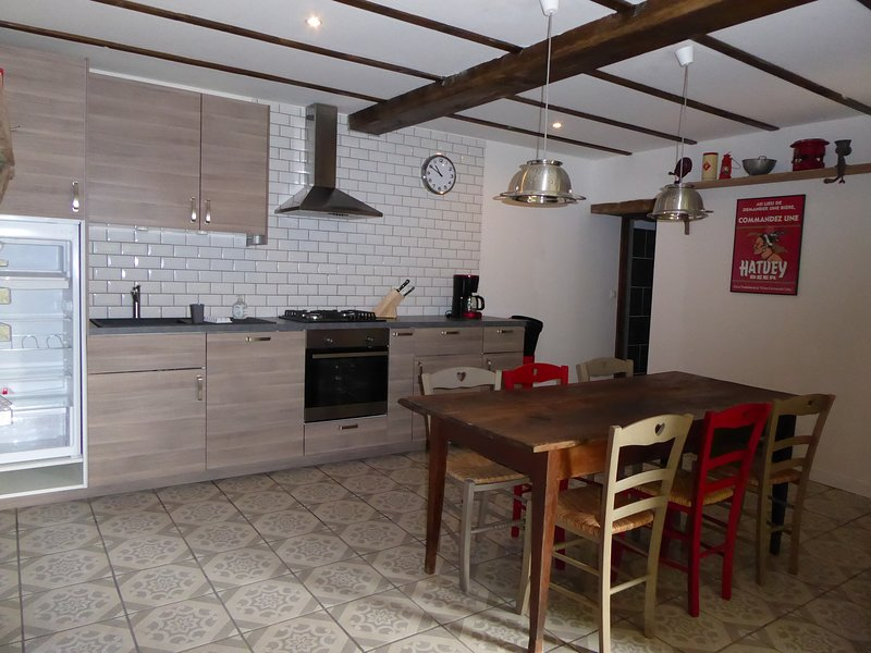 Lava Lodge Holiday Cottage, holiday rental in Chateauneuf-les-Bains