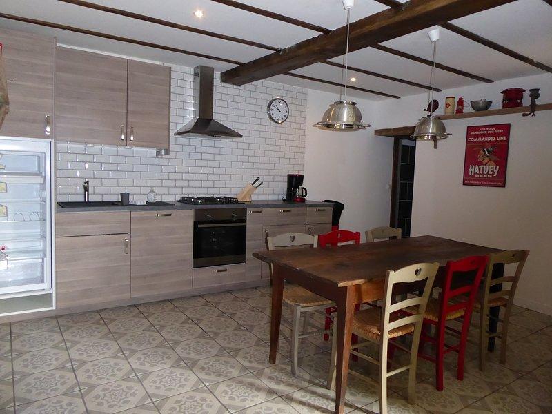 Lava Lodge Holiday Cottage, alquiler vacacional en Charensat