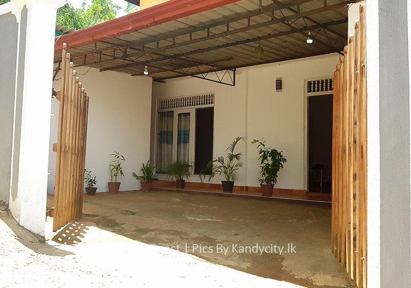 31 Kandy Guest House, casa vacanza a Hantana