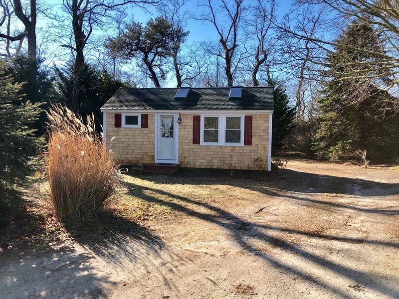 Cottage ~ 1081 State Highway %3515 ~ Eastham