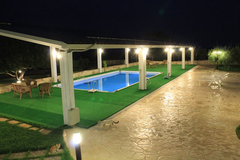 Nice apartment with shared pool, vacation rental in Frigintini