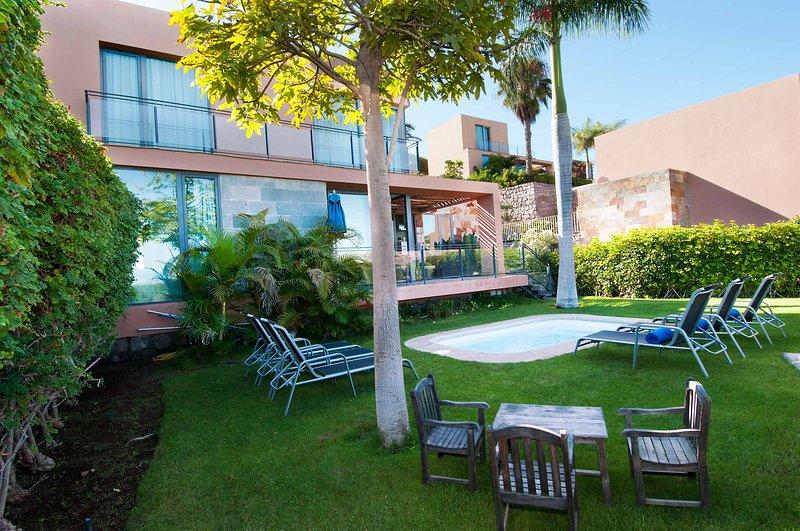 Villa with private pool Salobre Villas Lagos II, vacation rental in Montana La Data
