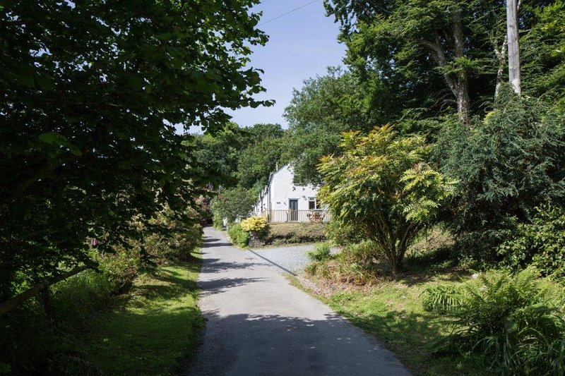 Private parking area next to Drovers' Cottage