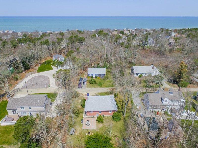 Vista aérea hacia la playa sobre la propiedad