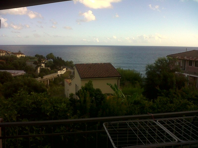 Apartments with 2 balconies, all with sea views, extra home fuiri shower, patio for children.