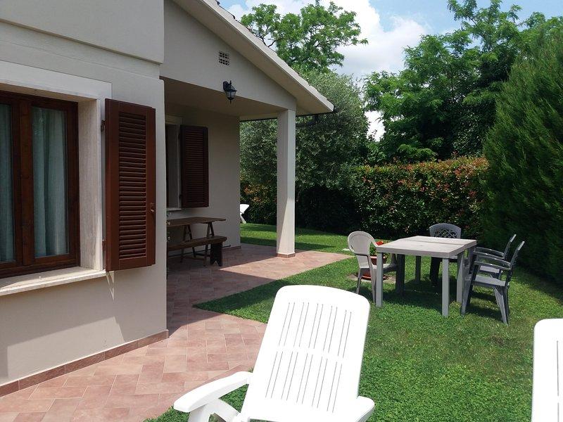 Appartamento trilocale a piano terra presso Casa Vacanze Jessica, vacation rental in Santa Croce Sull'Arno
