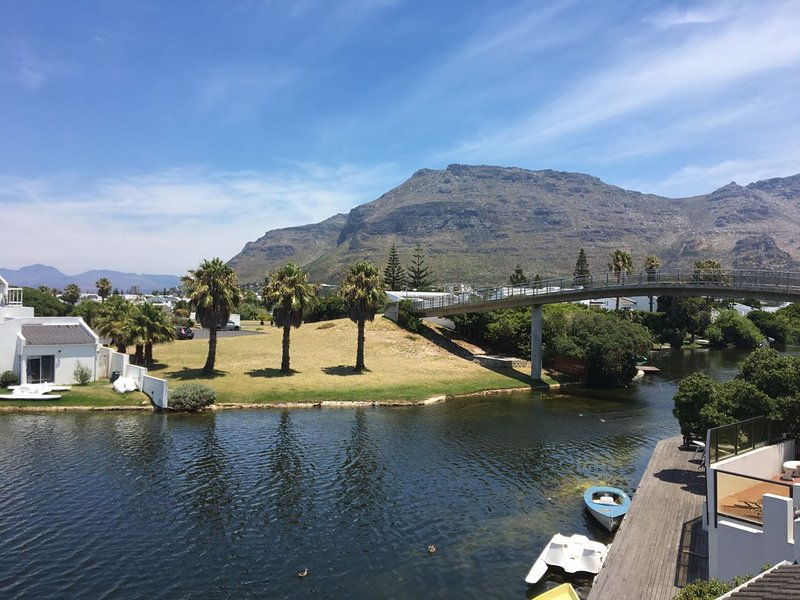 Tranquil Waters in Marina da Gama, holiday rental in Kirstenhof