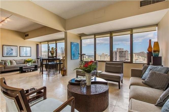 Penthouse at Chateau Waikiki - Open floor plan