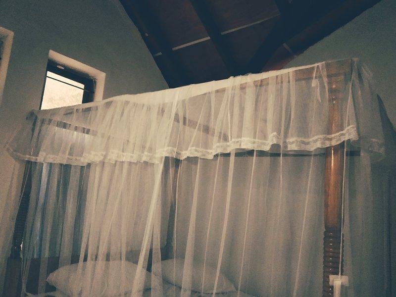 white banglaw. Located in a beautiful village in Galagedara., holiday rental in Kurunegala