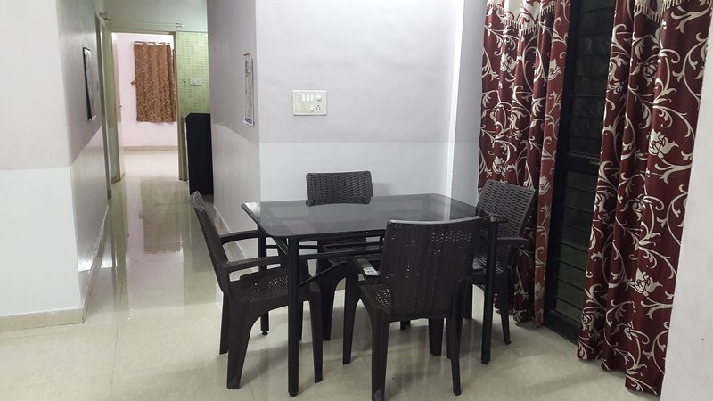 VnV Bungalow, holiday rental in Vagholi