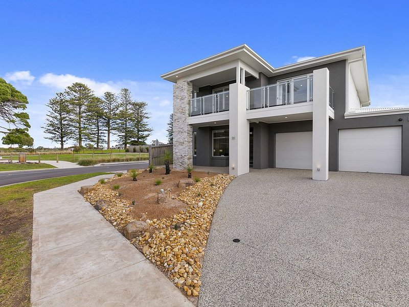 Bunya By The Sea (Absolute Beach Front) New - 5 Star Luxury, vacation rental in Cape Woolamai