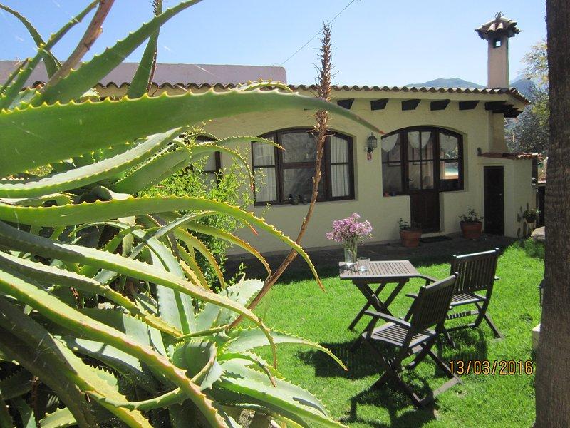 ENCANTADORA CASA DE CAMPO, holiday rental in Pino Santo Alto