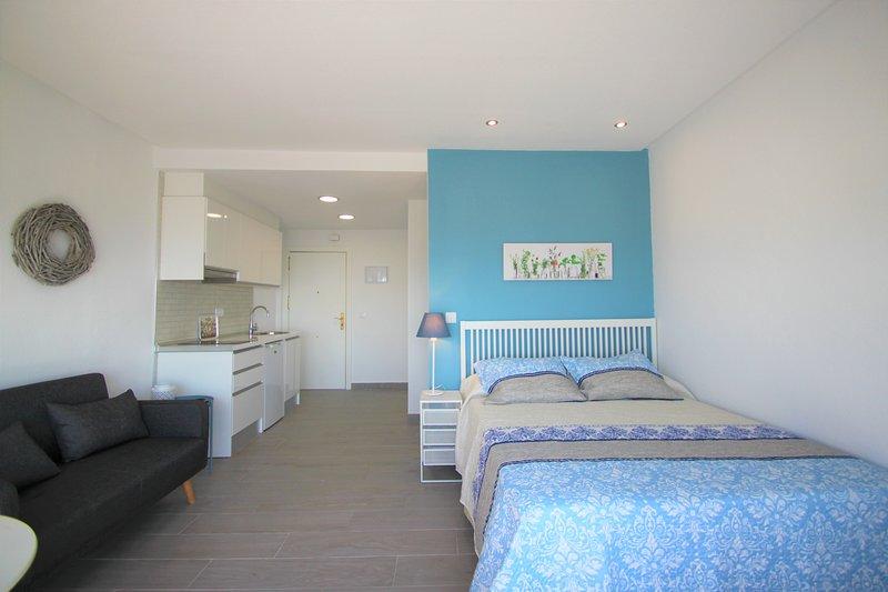 Apartamento en planta 20 con vistas increíbles del mar y de Alicante., aluguéis de temporada em Callosa de Segura