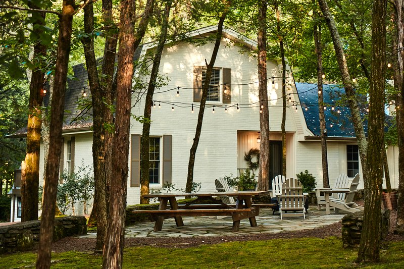 Cabin Creek Farm is 'Away From It All, Yet Close to Everything' - Franklin, TN, vacation rental in Franklin