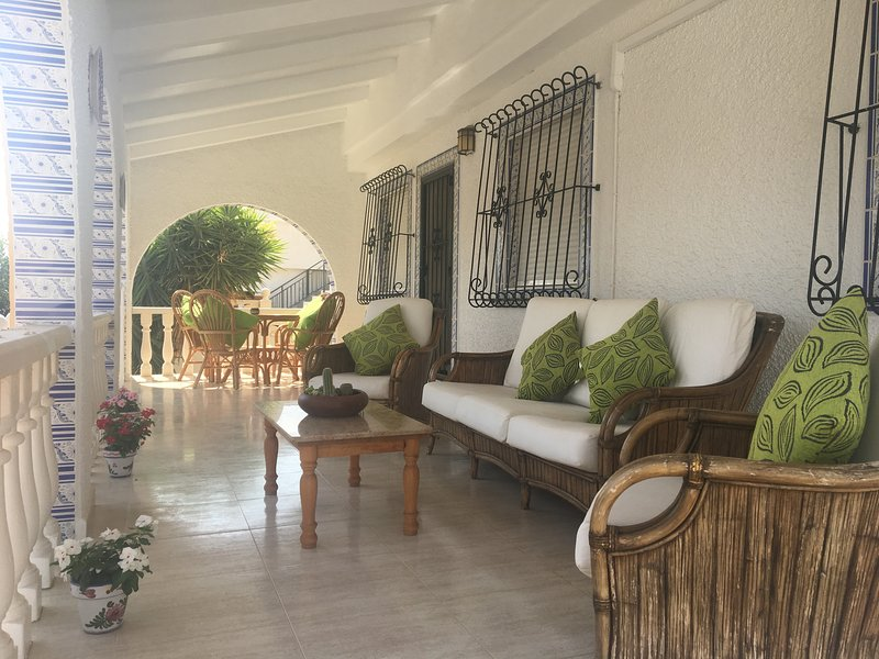 Casa Bamboo detached Villa 2 beds 1 bathroom with private pool and garden, vacation rental in La Pinilla