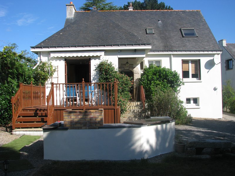 Beautiful 5 bedroom villa with heated fenced pool situated in a tranquil   valley