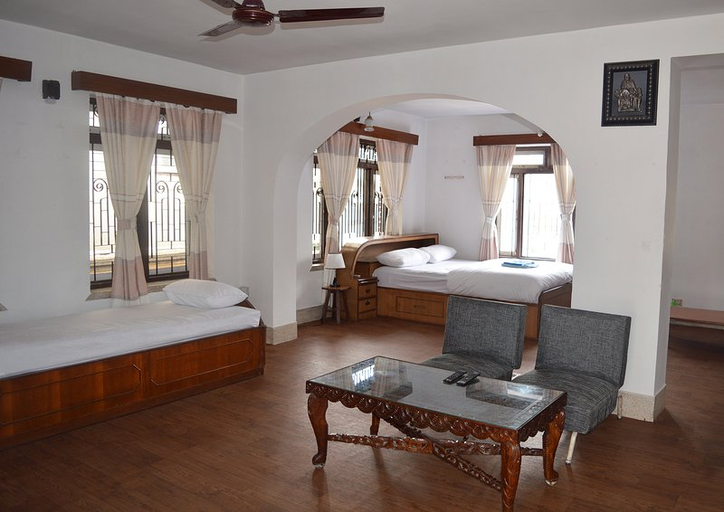 Thamel < 5 min walk 1BHK (Thamel Apartment), holiday rental in Nagarjun
