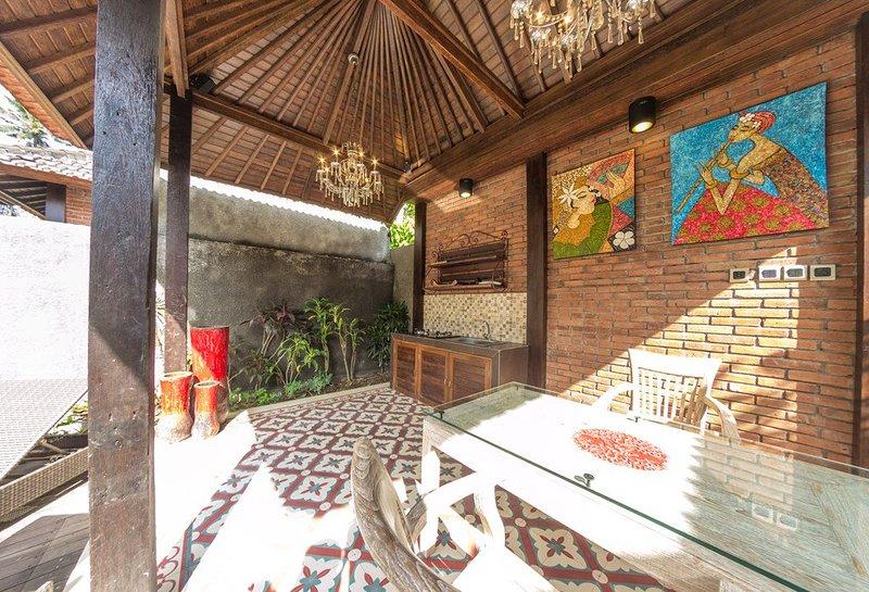 Ubud Raya Villas - Villa Abimanyu, holiday rental in Singakerta