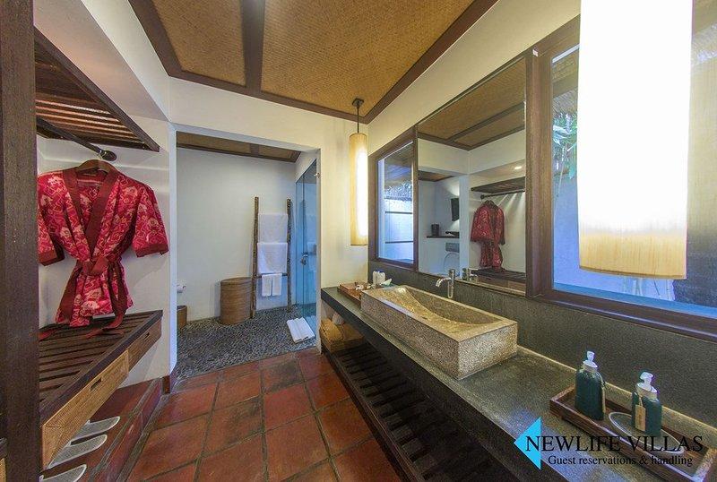 Jeeva Klui - Ananda Segara Beachfron Suite, vacation rental in Lendangluar