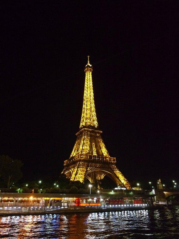 Paris a 12 km