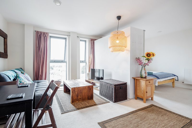 London South West Studio Apartment, holiday rental in Sutton