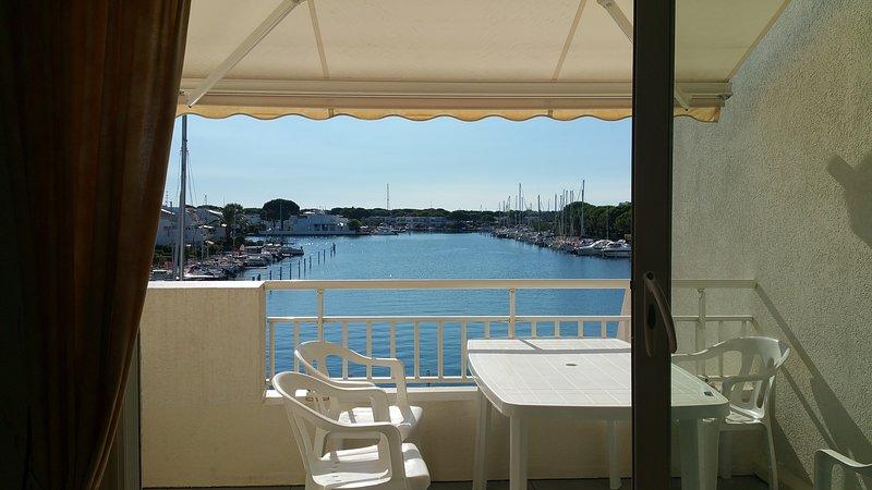 Appartement avec place bateau, location de vacances à Port Camargue