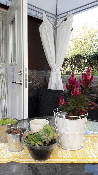 Mini apartment with padieu, aluguéis de temporada em Vaddo
