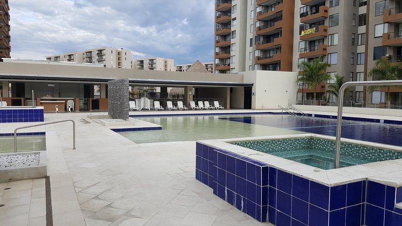 Apartamento amoblado estrenar. Excelente sitio descanso, recreacion o negocios., holiday rental in Tocaima