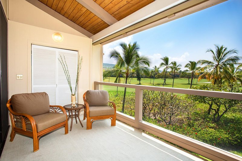 Surf & Racquet Club 6-303 - Lanai patio seating