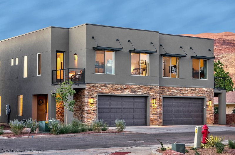 Combine with 2nd Unit for 8 BR/6BA (The ONLY 2 unit Building in Entrada!)