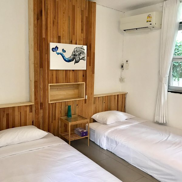 cozy by funwahn Room D, holiday rental in Chiang Mai