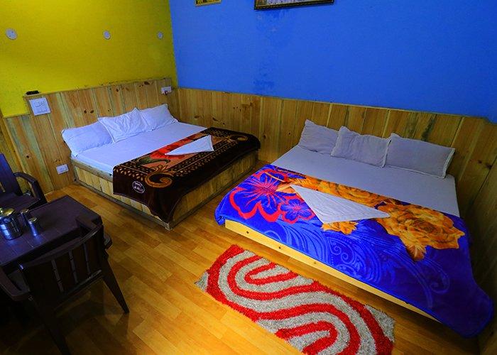 Tirthan inn homestay ubicado en el valle de Tirthan. Homestay es un lugar muy tranquilo en el que alojarse