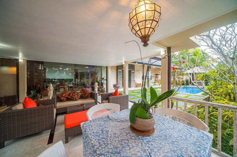 3BR Villa Damai with Pool & Rice Field View,Ubud, holiday rental in Peliatan