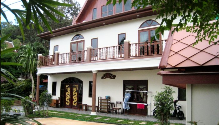 Panadda Villa, Tri Trang, Patong. Villa rental  4 beds 4 bathrooms  sleeps 8
