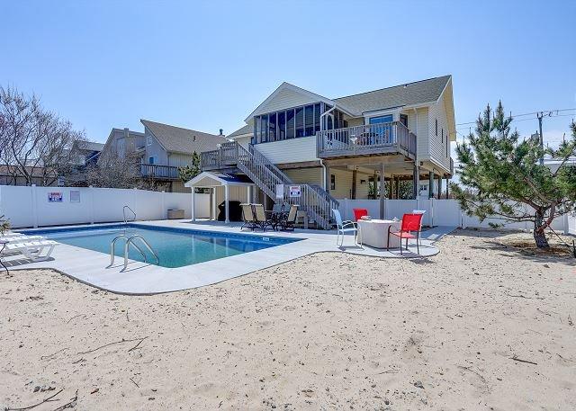 A Phan-ta-SEA *Third Row* EASY beach access!, location de vacances à Virginia Beach