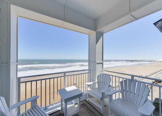 Beautiful Oceanfront Luxury Condo On The Beach
